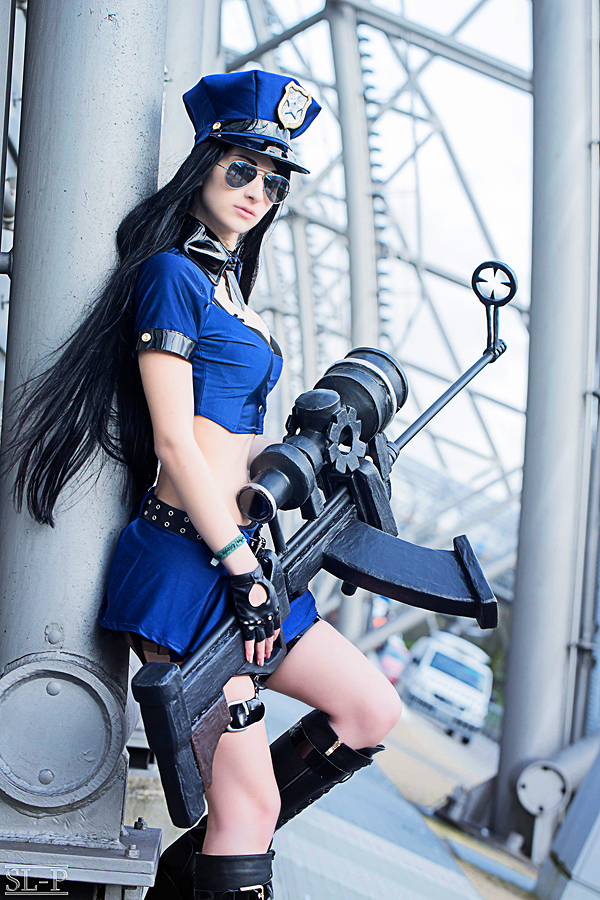 officer caitlyn cosplay