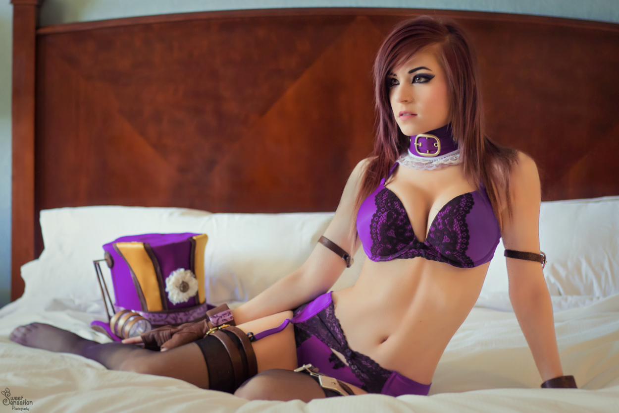 Sexy Caitlyn League Of Legends Cosplay