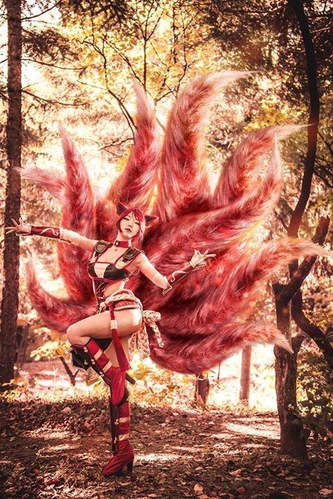 Foxfire Ahri League Of Legends Cosplay 2